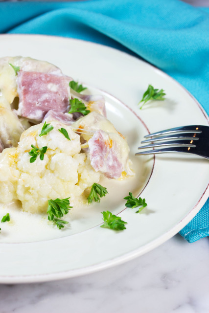 cheesy cauliflower with ham casserole